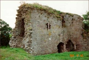 clifford_castle_off_the_a438_420x284