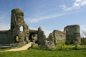 holiday-Eastbourne-seaside-day-trip-pevensey-castle