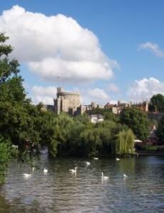 Uk-windsor-river-and-castle
